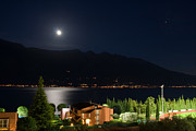 Mailis Laos - Lake Garda at Night