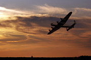 Lancaster Bomber Digital Art - Lancaster Sundown by James Biggadike