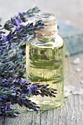 Mythja  Photography - Lavender oil