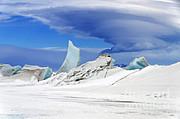 Science Source - Lenticular Cloud And Pressure Ridge