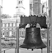Barbara Mcdevitt Posters - Liberty Bell and Independence Hall BW Poster by Barbara McDevitt