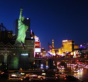 Liberty In Vegas Print by John Malone