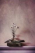 Driftwood Prints - Life Gives You Daisies Print by Priska Wettstein
