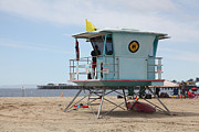 Lifeguard Shack Posters - Lifeguard Shack At The Santa Cruz Beach Boardwalk California 5D23710 Poster by Wingsdomain Art and Photography