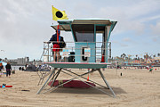 Lifeguard Shack Posters - Lifeguard Shack At The Santa Cruz Beach Boardwalk California 5D23711 Poster by Wingsdomain Art and Photography