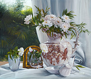 Interior Still Life Paintings - Lo Specchi Dorato by Danka Weitzen