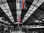 Terminal Photos - London 054 by Lance Vaughn