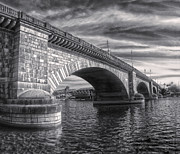 London Bridge In Black And White Print by Gregory Dyer