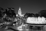 Robert Alvarez - Los Angeles City Hall BW