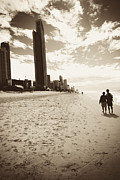 Aeve Pomeroy - Love on Surfers Paradise