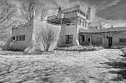 Dennis Hopper Framed Prints - Mabel Dodge Luhan house in b-w Framed Print by Charles Muhle