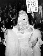 Movie Stars Photos - Mae West At Premiere by Underwood Archives
