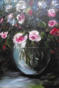 Queen City Paintings - Magic roses in glass vase by Elizabeth Kawala