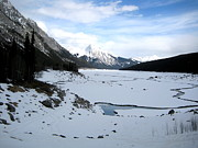 Aeris Osborne - Maligne River with Rocky...