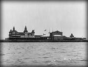 York Beach Metal Prints - Manhattan Beach Hotel Coney Island 1904 Metal Print by Digital Reproductions