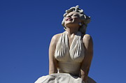 Movie Stars Photos - Marilyn Monroe Statue 2 by Bob Christopher