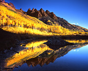 White River Prints - Maroon Lake Morning Print by Ray Mathis