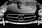 Mercedes Benz. Metal Prints - Mercedes-Benz 190SL Grille Emblem Metal Print by Jill Reger