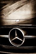 Mercedes-benz Grille Emblem Print by Jill Reger