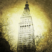 Nyc Digital Art Metal Prints - Met Life Tower Grunged Metal Print by Natasha Marco