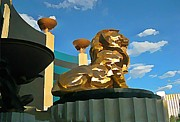 Mgm Lion In Las Vegas Print by John Malone