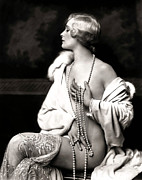 Cindy Nunn - Miss Pearl