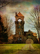Pamela Phelps Framed Prints - Mohonk NY Gatehouse Framed Print by Pamela Phelps