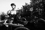 Molly Prints - Molly Malone Statue Dublin Republic Of Ireland Print by Joe Fox