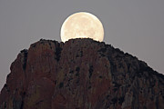 Steve Wolfe - Moonset Over The...