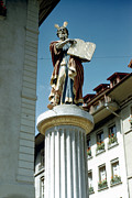 Religious Dress Prints - Moses Fountain Bern Print by Jan Faul
