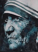 Face  Paintings - Mother Teresa by Paul Lovering