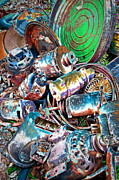 Motor Metal Prints - Motor Picking Metal Print by Gwyn Newcombe