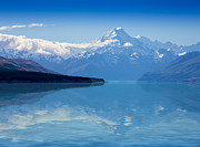 Sheila Smart - Mount Cook reflecting in...