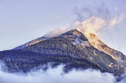 HJBH Photography - Mountain in morning light with clouds