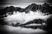 Berge Art - Mountains and clouds black and white by Matthias Hauser
