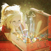 Child Digital Art - Musicbox Magic by Linda Lees
