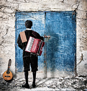 Nermin Smajic - Musician at the door
