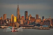 Independance Prints - New York City Sundown on the 4th Print by Susan Candelario