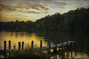 Cloudscape Digital Art - Newport Lake Textured Sunset by Janice Rae Pariza
