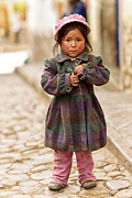 Campesinos Framed Prints - Nina In Cuzco Peru Framed Print by Gabriele Ardemagni