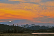 Bob Berwyn Metal Prints - November Moonrise Metal Print by Bob Berwyn
