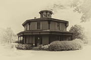 Old House Photographs Prints - Octagon House  17739b Print by Guy Whiteley