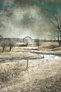 Marlene Ford - Old barn in the country
