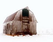 Dan  Dickerson - Old Barn in the Snow