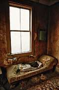 Old Home Place Photos - Old Bedroom Chaise In Abandoned Mining Town Home by Kriss Russell