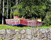Old Boat Planter Print by Susan Leggett
