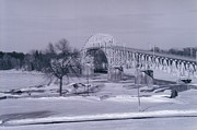 Old Crown Point Bridge In Winter Print by David Fiske