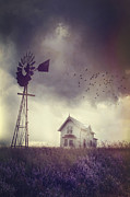 Sandra Cunningham - Old farm house on the prairies with storm approaching