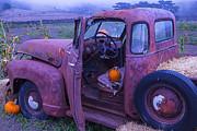Garry Gay - Old Truck In Pumpkin...