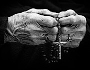 Rosary Framed Prints - Old woman hands with a rosary Framed Print by Juan R Velasco